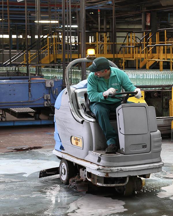 Reber fornisce pulizie civili, industriali, tecniche, sanificazioni e facility management presso stabilimenti produttivi